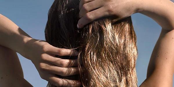 Yağlı Saçlar için tersine temizlik