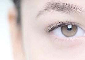 Hassas göz çevresi bakımı