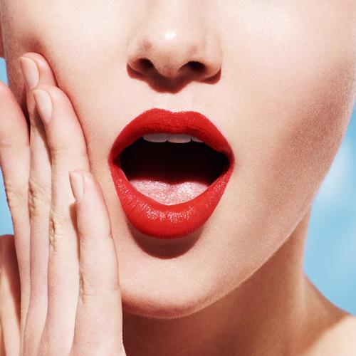 L'occitane Intense Fruity Lipstick - Yoğun Meyveli Ruj 05 Ravie En Rouge